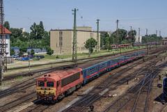 Budapest-Nyugati (III) (Pol Llopart) Tags: hungary train mav budapest terminal bahn zug intercity
