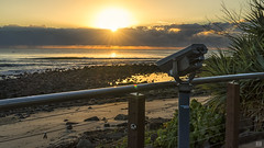 The view is free! (BAN - photography) Tags: seascape sunrise daybreak dawn ocean sea rocks beachfront sand shore pool telescope sun rays clouds surfers pandanustree shells railing deck d810
