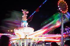 Kanguru (inesbeatriz) Tags: feirademarço fun diversão night noite foto fotografia photography photo photooftheday flickr canon canon100d beginner amateur iniciante portugal aveiro nightout carrossel cores colours lights light luzes luz divertimento outside outdoors exterior kanguru longexposure exposure movement movimento fast rápido