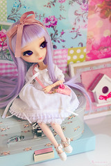Happy b-day, Nia (Rinoninha) Tags: birthday doll pastel chips wig cancan pullip nia cumpleaos mueca coolcat peluca rewigged rechipped alicedujardin