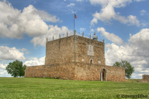 © Torre do Castelo de Abrantes - Abrantes Castle Tower 2012