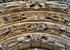 Parthenay - Notre-Dame-de-la-Couldre (Martin M. Miles) Tags: france 79 ursulines deuxsèvres parthenay poitoucharentes archivolt eldersoftheapocalypse viaturonensis notredamedelacouldre