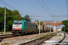E483-005 Cereali (Tosatto Lorenzo) Tags: train loco villa 005 freight vf mri est treviso rtc lok traxx rubiera opicina cereali rfi e483