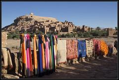 Colours (Ciao Anita!) Tags: friends morocco marocco hm carpets unescoworldheritage marokko scarfs kasbah shawls kasba aitbenhaddou tappeti scialli kashba theperfectphotographer kleden soussmassadaraâ unescowerelderfgoedlijst unescopatrimoniodellumanità fotoworkshopnl