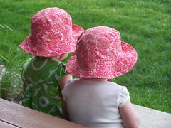 2011.09 Gramma in CO (147) (susanartfulwordwilliams) Tags: pink twins hats takenfrombehind susancarverwilliams susanartfulwordwilliams susanartfulwordcom