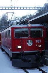 Rhtische Bahn RhB Lokomotive Ge 6/6 II 703 mit Taufname St. Moritz ( Baujahr 1965 => Hersteller SLM - BBC - MFO )  unterwegs bei  im Kanton Graubnden - Grischun in der Schweiz (chrchr_75) Tags: train de tren schweiz switzerland suisse swiss eisenbahn railway zug locomotive christoph dezember svizzera bahn treno chemin centralstation fer locomotora tog juna lokomotive lok ferrovia rhb bergbahn spoorweg rhtische suissa graubnden locomotiva lokomotiv ferroviaria  locomotief kanton chrigu  rautatie schmalspur 1312  2013 grischun bahnen zoug trainen retica viafier  chrchr hurni kantongraubnden chrchr75 chriguhurni meterspur albumgraubnden chriguhurnibluemailch dezember2013 hurni131201