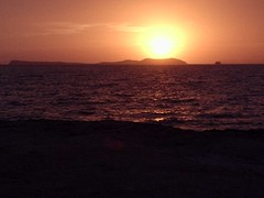 Puesta de sol en Sant Antoni (Eivissa) (bcnbelu84) Tags: costa sol sanantonio mar ibiza puestadesol eivissa ocaso mediterrneo anochecer crepsculo santantoni marmediterrneo crepsculovespertino
