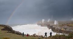 Bufones de Pría (elosoenpersona) Tags: sea people de mar big waves marejada asturias cliffs pria cantabrico acantilados galerna bufones guadamia elosoenpersona ciclogenesis