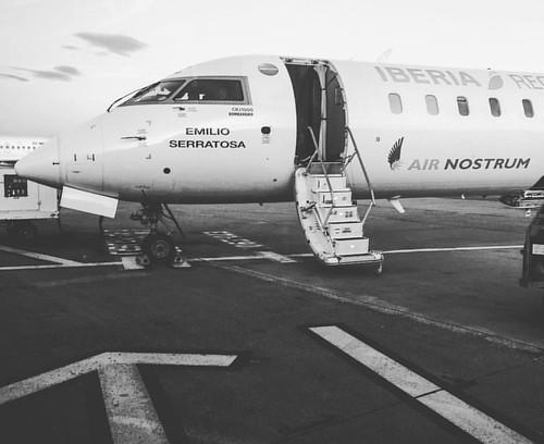"Hoy volamos en el ""Emilio Serratosa"" de @iberia #iberiaregional @airnostrum #traveldiary #daytrip #instadaily #instagood #instago #traveler #travelgram #travelphotography #airplane #bestofday #bestoftheday #loves_world #instatravel #avionics #avión #plane"