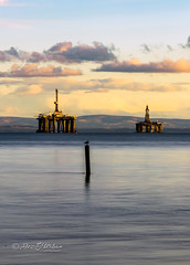 Leven_beach (37)-Edit (dezurban) Tags: leven scotland unitedkingdom gb fife forth oil rig sunset