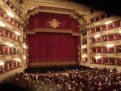 2017 3 3 Milano Teatro alla Scala Opera della Traviata, prova degli strumenti musicali prima dell'apertura del sipario ... (vista da un palco) (mario_ghezzi) Tags: milano lombardia italia marioghezzi nikon coolpix nikoncoolpix p6000 coolpixp6000 nikonp6000 nikoncoolpixp6000 noreflex teatro teatroallascala giuseppeverdi latraviata opera verdi francescomariapiave