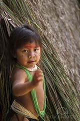 Cristina Kuikuro (Rita Barreto) Tags: índia criançaindígena criançakuikuro etniakuikuro índiadoxingú índiadomatogrosso matogrosso centrooeste brasil