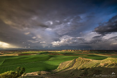 Alfoz (Paco Fuentes Vicario) Tags: cielo campo paissaje verde green paisaje landscape nube nubes horizonte altura primavera borrasca dreamsplaces