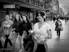 Young girls grow up (LYSVIK PHOTOS) Tags: streetphotography tattoo street people dublin blackandwhite younggirls young photography headphone girls
