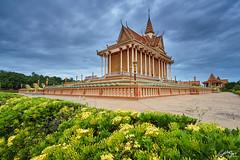 វត្តសន្តិវ័ន្ត / Sante Wann pagoda (Sotitia Om Photography) Tags: khmertemple cambodiantemple khmerpagoda landscape pagoda temple buddhist buddha buddhism kampongspeu cambodia sotitiaomphotography cambodianphotographers kingdomofcambodia kingdomofwonder teamcanon canonasia kampuchea southeastasia asian asia