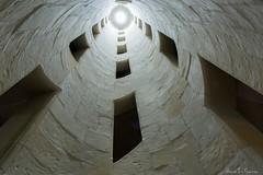 Le dernier tunnel (Hervé Le Garrec) Tags: tunnel escalierchamborddoublerévolution double hélice