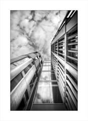 2017-04-16-Nantes-Beaulieu (31 sur 37) nb v3_fdr (JPSA44) Tags: nb bw building nantes immeuble architecture