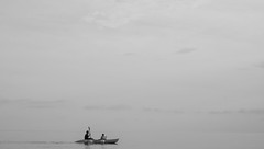 Father and son (mripp) Tags: art kunst black white mono monochrom sea ocean boat kanu sky grey leica m10 sum micron 50mm