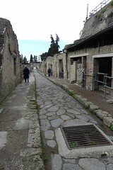 008 Cardo iii Superiore, Sewer grid foreground, Herculaneum (4) (tobeytravels) Tags: herculaneum cardoiiisuperiore sewer