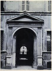 Via Olmetto 3 il portone di Palazzo D'Adda Piantanida 1920-25 (Milàn l'era inscì) Tags: urbanfile milanl'erainscì milano milan oldpicture milanosparita vecchiefoto