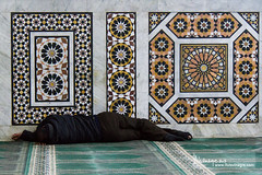 nap (llus) Tags: sleeping nap break sleep minaret amman jordan siesta sleeper  arabesques kinghusseinmosque  alhusseinimosque