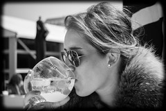 XXL Gin-Tonic (Cohibathebest cigar in the world) Tags: bw beach girl sport coast model eyes women belgium belgique belgie sony young belgi full knokke frame alpha gin portret tonic polo beaufort scapa kust a850 snoekx dslra850 cohibathebest