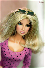 Eugenia (astramaore) Tags: public beauty fashion toy glamour doll blueeyes tan going blonde royalty tanned eugenia fulllips fashionroyalty