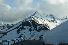 Edelweißspitze (anuwintschalek) Tags: schnee mountain snow alps berg landscape austria spring may lumi frühling grossglockner kevad hohetauern natinalpark 2013 18200vr mägi edelweisspitze alpid grossglocknerstrasse rahvuspark d7k nikond7000 hochalpinstrasse