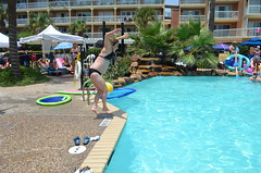 2013 rits sat pool party (59)
