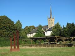 Beaufort (L) (Arthur-A) Tags: church monument catholic kirche luxembourg beaufort kerk eglise luxemburg katholiek