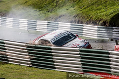 Steve Dunn hard into the barriers (finalLap.Photography) Tags: auto car crash accident euro seat racing sri leon barriers challenge armco motorsport vauxhall v6 cadwell stryker vectra saloons brscc