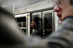 Bronze (Paolo Pizzimenti) Tags: paris film bronze train paolo femme métro olympus zuiko gens visage pellicule inconnue