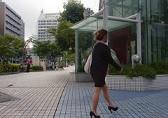 久茂地 歩くひと Naha-si, Okinawa (ymtrx79g ( Activity stop)) Tags: street color slr film japan analog nikon kodak 35mmfilm okinawa 135 沖縄 街 写真 銀塩 フィルム nikonnewfm2 那覇市 nahasi kodakultramax400 nikonainikkor35mmf2 歩行走行 walkandrun 201311blog