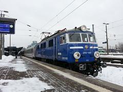 PKP EP07-1051 at Warsaw Zachodnia with Warsawa Wschodnia - Wroclaw 2014-01-28 (EEType1) Tags: br poland loco polish warsaw locomotive 83 lok warsawa pkp eu07 ep07