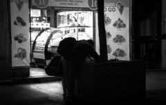 Madrid Noche (Sr_Bertog) Tags: street calle madrid noche blancoynegro byn gente comida pobreza monocromático