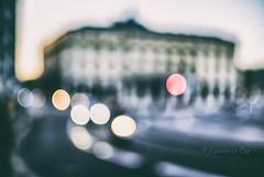 Nos jours heureux répandus (Fabrice Le Coq) Tags: blur flou bleu nuit lumière rue voiture véhicule batiment fabricelecoq