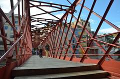 Pont de les Peixateties Velles (RarOiseau) Tags: espagne catalogne gérone pont rouge architecture