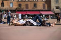 O sole mio.... (Andreas.W.) Tags: sonnenbad break siena toskana toskany toscana pausa pause brake portrait siesta