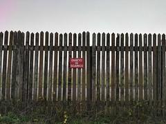 IMG_20161207_162507 (VagabonDali) Tags: fence recinzione cartello sign divieto fog nebbia romagna forlì aeroporto nulla bianco airport silence silenzio solitudine solitude