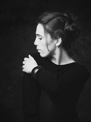 Elegancy (JLphoto2013) Tags: elegancy woman women girl posed pose blackandwhite noiretblanc black white noir blanc monochrome studio femme grâce élégance belgique belgium céline