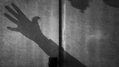 Shadows in the dark (Anki Grip) Tags: fs170423 fotosondag morkerfotografering skugga shadow hand scared ghost spöken