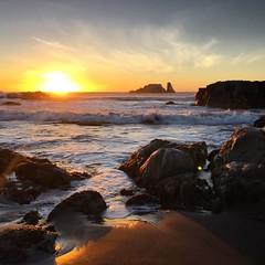 Sunset in Matanzas (GONZALO BAEZA) Tags: chilegram navidad waves america beachlife beach sunset natgeo nature iphone6 chile matanzas sunlight travel colors collection puesta de sol puestadesol agua mar oceano
