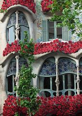 Casa Batlló (Léa Bonis) Tags: barcelona barcelone spain espagne gaudi casa batllo architecture street catalogne eixample sony ville