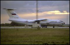 RA-76369 - Copenhagen Kastrup (CPH) 05.10.1999 (Jakob_DK) Tags: 1999 cph ekch kystvejen copenhagenkastrup ilyushin ilyushin76 ilyushin76td il76 il76td candid cargo jsc airstan