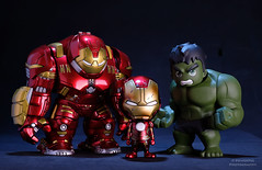 DSCF2031_ (PowerPee) Tags: marvel hulk cosbaby ironman hulkbuster tonystark toyphotography photoygraphy hottoys