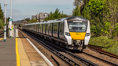 700111 (JOHN BRACE) Tags: 2014 siemens krefeld germany built desiro city class 700 emu 700111 seen horley thameslink livery
