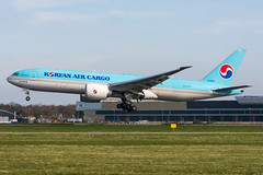 HL8285 - Korean Air Cargo - Boeing 777-FB5 (5B-DUS) Tags: hl8285 korean air cargo boeing 777fb5 b777200 b772 ams eham amsterdam schiphol international airplane airport aviation aircraft flughafen flugzeug planespotting plane spotting netherlands