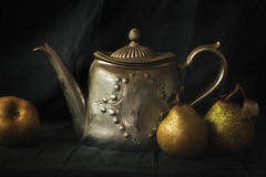 Autumn Sorrow (AJWeiss71) Tags: pear pears teapot stilllife autumn kettle silver antique old oldfashioned gold golden season seasonal mood moody lowkey dark darkness nostalgia nostalgic classic classical sorrow melancholy fall fruit simple simplistic amyweiss