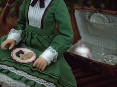 Sera's little picnic set (The Migratory Dreamery) Tags: azone azonedoll azonepureneemo azoneinternational sera seraofgreengables anneofgreengables green romantic picnic tea time cookies miniatures 16