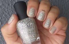 Cosmo - Zoya (Raabh Aquino) Tags: unhas pixiedust prata silver glitter